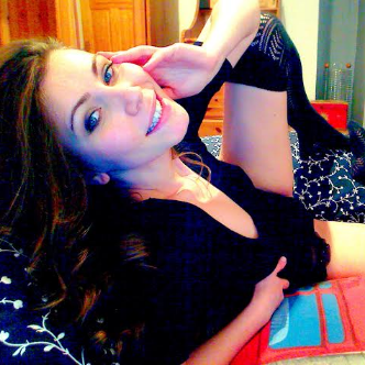 Webcam Chat with Thea